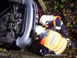Dopravní nehoda OA v příkopu Roblín