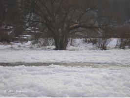 Ledová bariera Na řece