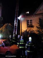 Záchrana kocoura ze střechy ulice V Horce